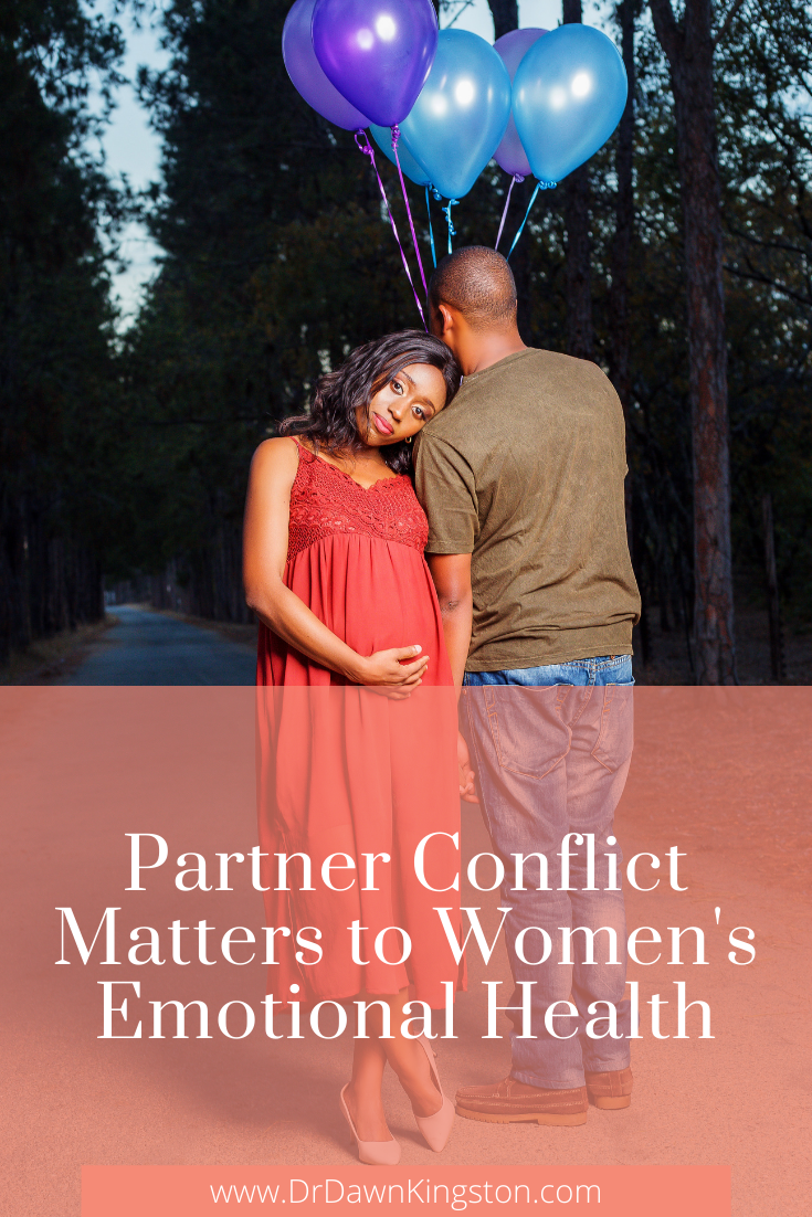unhappy-couple-holding-hands-pregnant