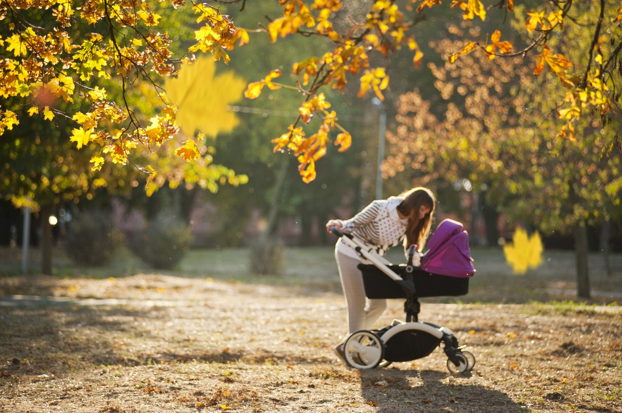 mother-and-child-in-pram