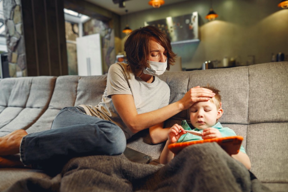 mother-and-toddler-wearing-face-mask