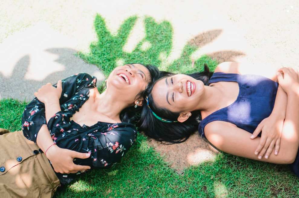 women-friendship